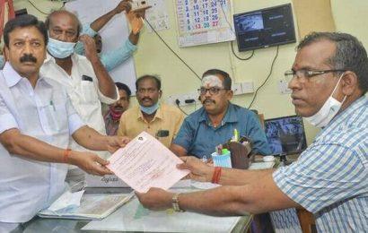 DMK, AIADMK candidates file papers in Villupuram and Cuddalore