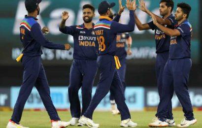 PIX: India edge England in thriller to level series