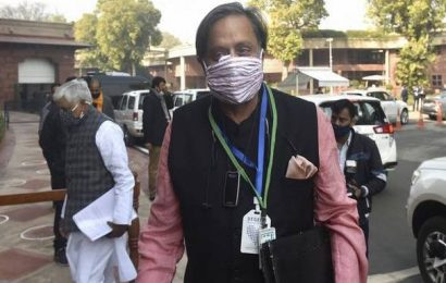 'Farrago of venomous claims on love jihad': Shashi Tharoor on BJP's Kerala manifesto