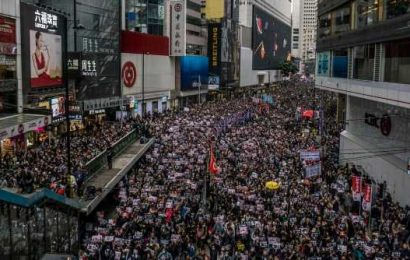 China approves plan to reform Hong Kong electoral system