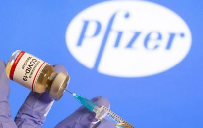 Pfizer says its COVID-19 vaccine protects younger teens