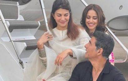 Akshay Kumar reveals Jacqueline Fernandez, Nushrratt Bharucha's 'hidden talent' from a moving bus, watch hilarious video