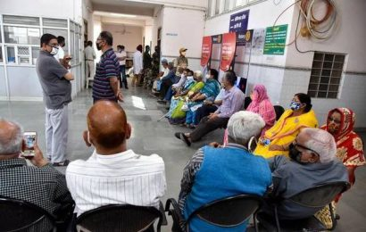 Supreme Court directs private hospitals to give priority in treatment to elderly amid pandemic
