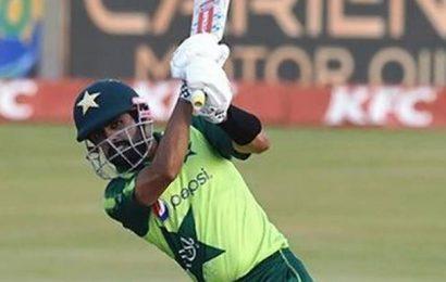 3rd T20 | Babar blitz flattens SA
