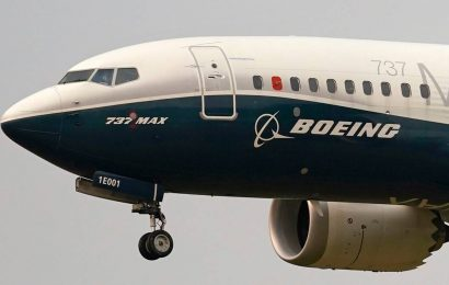 Boeing says financing available to back jet deliveries