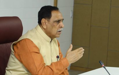 Gujarat: Rupani asks ministers to visit districts to review Covid situation