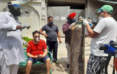 Help pours in for COVID patients at gurdwara offering 'Oxygen Langar'