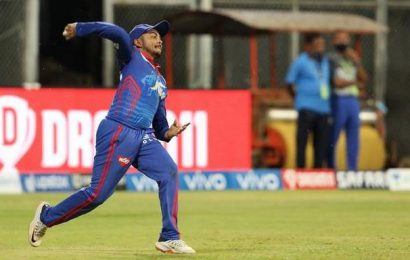 IPL 2021 | Prithvi Shaw sizzles with the sidearm as well