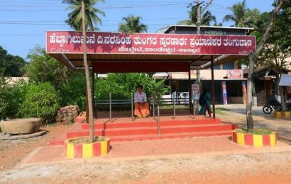 Man builds shelters for bus passengers at Sasthan