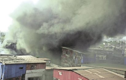 Fire at spare parts market in Kurla, 15 structures gutted