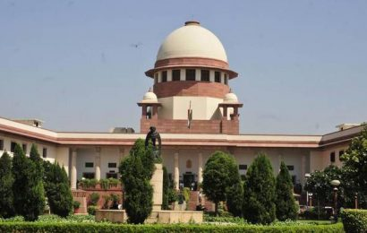 SC stays proceedings in HC on plea for vaccination for legal fraternity