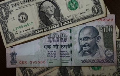 Rupee falls by 18 paise to close at 73.30 against U.S. dollar