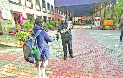 Delhi Covid: After welcoming back some students, schools in capital close doors again