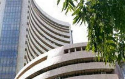 Sensex rallies 460 points, Nifty reclaims 14,800 after RBI holds rates