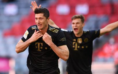 Bayern's Robert Lewandowski breaks Gerd Mueller's 49-year league scoring record on final day