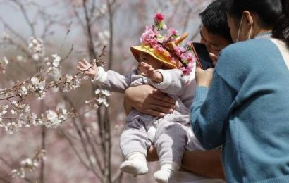 China reports population growth closer to zero in 2020