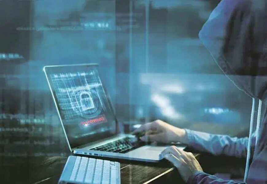 Delhi: Three arrested for cheating people online through fake website
