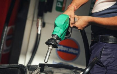 Fuel prices touch fresh record highs; Petrol breaches Rs 100/litre for the first time in Bhopal