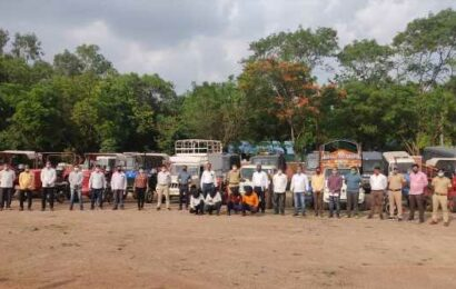 Gang stealing from farmers caught by Pune police; 20 vehicles, six cows seized