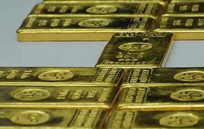 Gold declines ₹ 319; silver tumbles ₹ 1,287