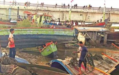 Govt survey after Cyclone Tauktae: 900 boats damaged, minister says working on compensation