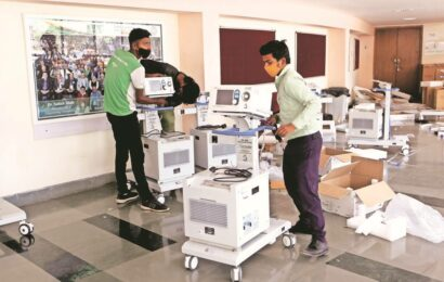 HC pulls up Centre for 'virtually defending' manufacturers of 'defective' ventilators supplied to Marathwada