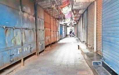 Lockdown extended for 5th week in Delhi, traders seek relief