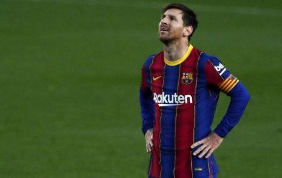 Messi backs social media boycott by English football