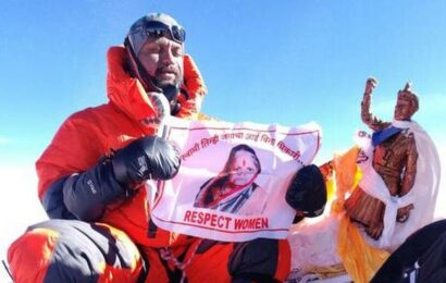 Mumbai cop's journey to Everest as tribute to mother