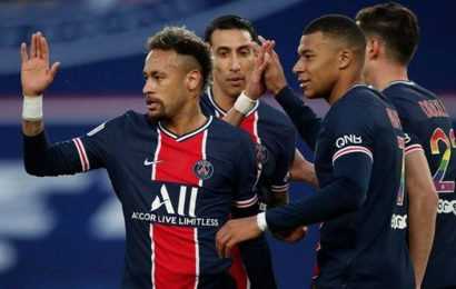 PSG routed Reims 4-0 to take the French title race to the last day