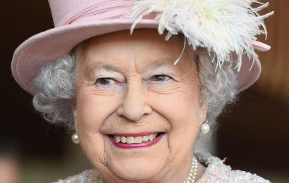 The Real Reason Queen Elizabeth Doesn't Use A Last Name