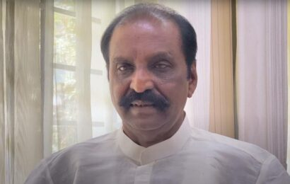 Vairamuthu declares he 'will return' ONV Literary Award amid outrage