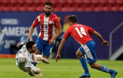Argentina qualify for Copa quarters with win over Paraguay