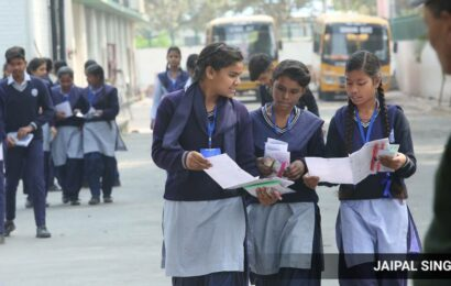Delhi: Final exams for students of classes 9 and 11 cancelled, says Sisodia