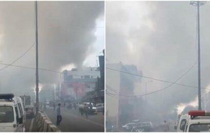 Delhi: Fire breaks out inside a showroom in Lajpat Nagar