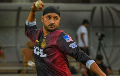 Harbhajan Singh offers unconditional apology for instagram post on Bhindranwale