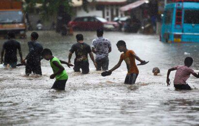 Heavy rainfall in Mumbai: Santacruz records 220.6mm in nine hours