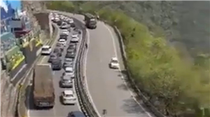 Huge traffic jam at entry points to Himachal Pradesh as state eases Covid curbs