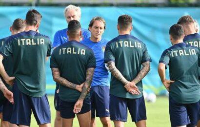 Mancini rekindles Italy's love for Azzurri