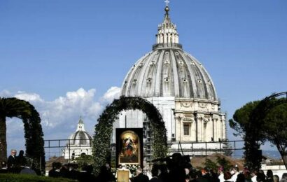 New Vatican law criminalises abuse of adults, even by laity