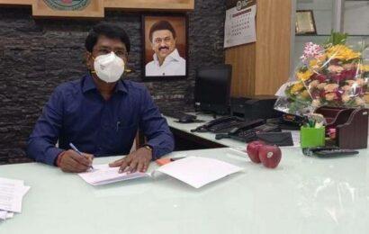 New Villupuram Collector, D. Mohan, assumes office