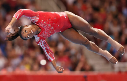 'Super Simone' books ticket to second Olympics