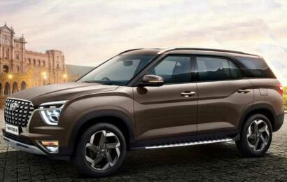 Three-row SUVs are the latest draw for auto firms