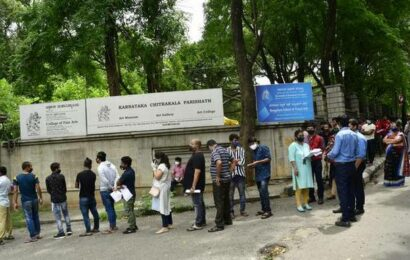 Varsities, colleges want students vaccinated before physical classes resume