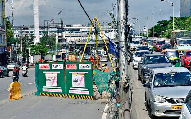 700 pillars to come up on stretch infamous for traffic snarls