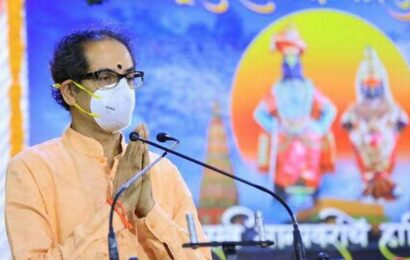 Chief Minister Uddhav Thackeray performs 'mahapuja' at Pandharpur Temple, prays for end of Covid-19 scourge