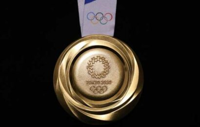 Do-it-yourself medal ceremony at Tokyo Games amid pandemic
