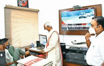 Haryana Governor lauds differently abled Raj Bhavan employee, who types with his toes