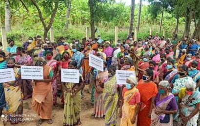 MGNREGS workers demand full wages, stage protest