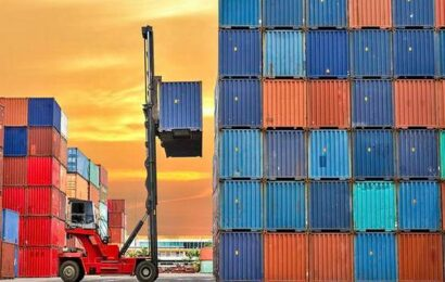 Merchandise exports touch record peak of $95 bn in Q1